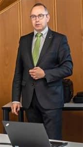 Prof.Dr.Pöhlau
